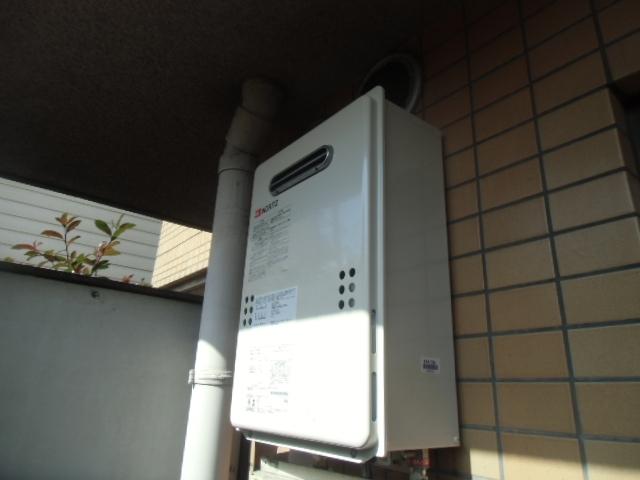 給湯器・ガス配管取替・配管カバー取付加工工事 神奈川県横浜市神奈川区 GQ-1639WS-set